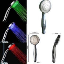 sprcha meniaca farbu vody
