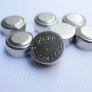 AG13 knofliková batéria
