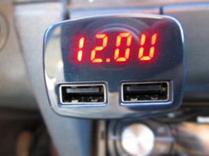 voltmeter ukazuje volty