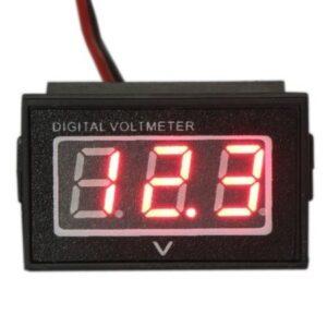 Červený_vodotesny_voltmeter