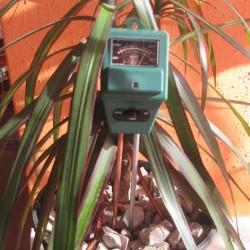 meranie osvelenia ph a vlhkosti pôdy