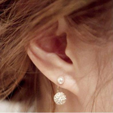 nausnnice peral brigith v uchu
