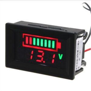 Voltmeter tuning do auta meranie baterie 12V